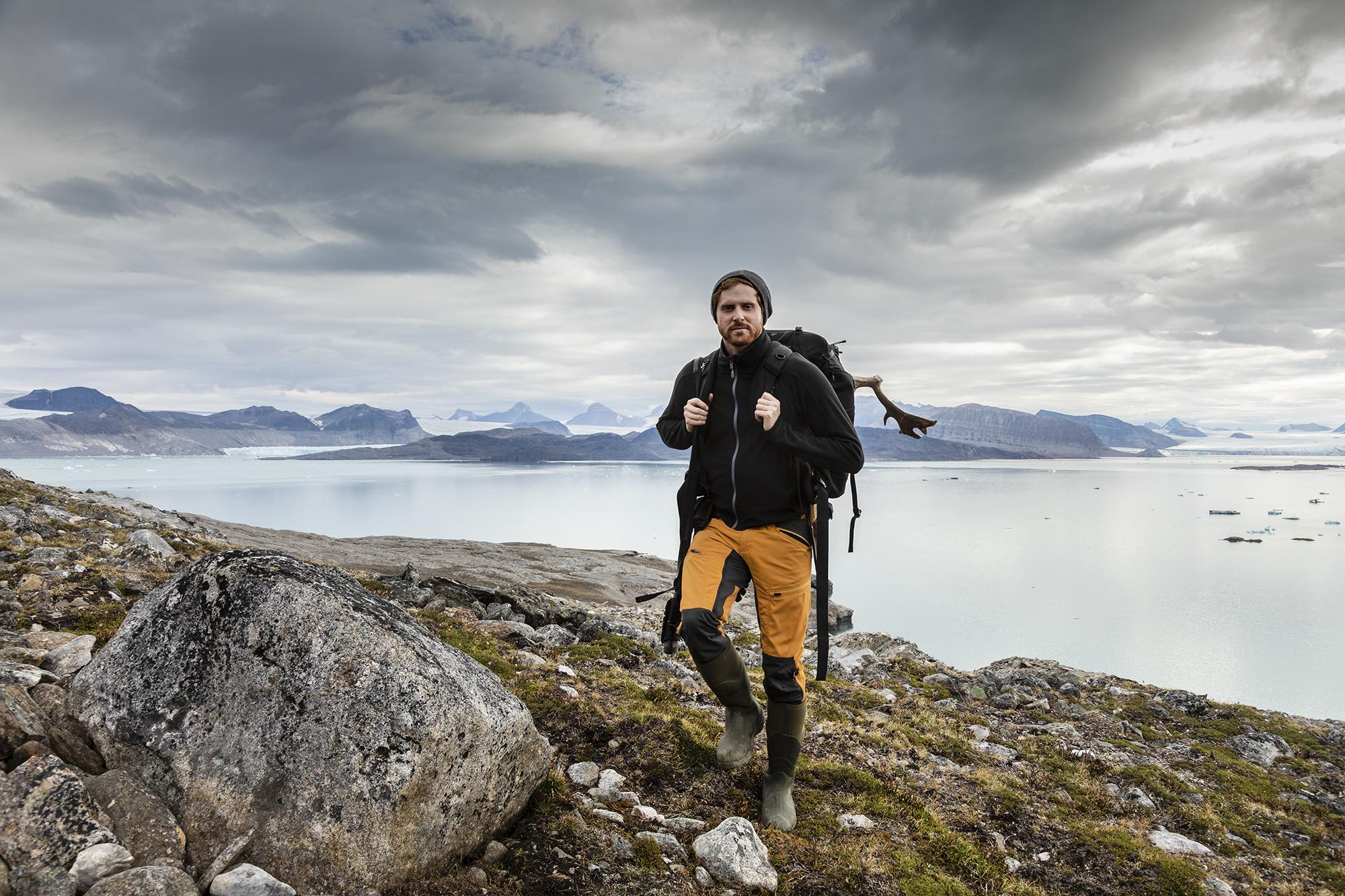 Marcel Schütz walking on Blomstrandhalvøya