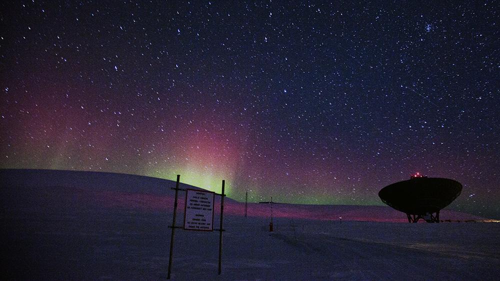 Northernlights over EISCAT, Svalbard ©-Marcel Schütz-2020